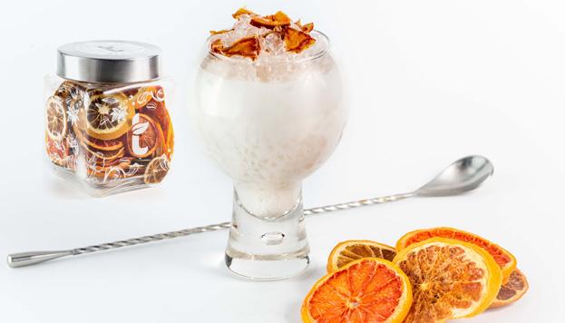 Así es el estupendo cóctel de cítricos del que se puede disfrutar en Salmón Gurú.