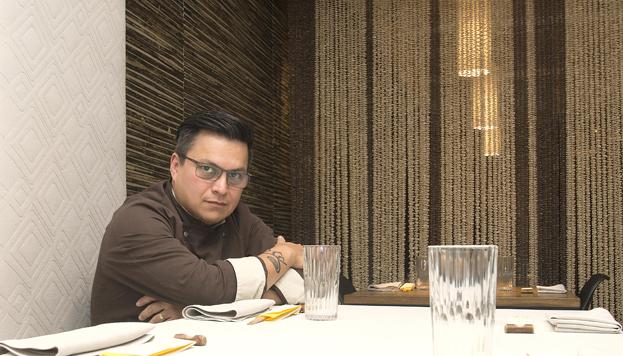 Luis Arévalo se encuentra en un momento pletórico. Es el pionero de la cocina nikkei en Madrid.