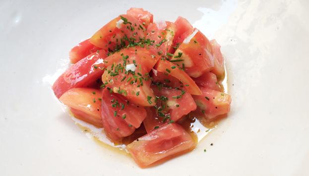 Si alguien quiere probar un auténtico tomate aliña o solo tiene que dejarse caer por La Malaje.