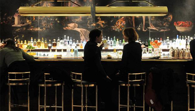 Y para terminar un clásico que no falla: los cócteles del Dry Martini Bar, dentro del Hotel Gran Meliá Fénix.