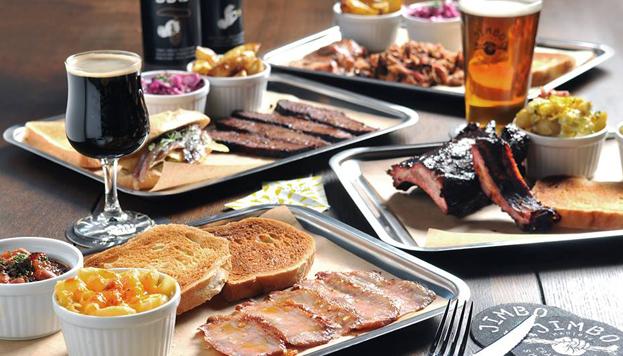 Además de ser expertos en carnes, en Jimbo Smokehouse son fieles al gusto americano por las cervezas artesanas.