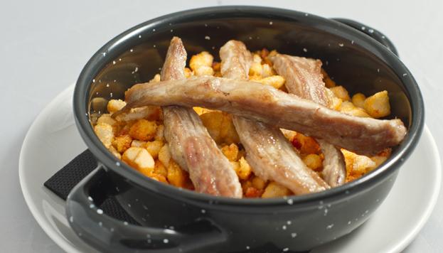 El Rincón de Lupe siempre sorprende con sus recetas de sabor casero, como esta cazuela de callos con garbanzos.