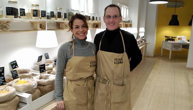 Promover el consumo ecológico y responsable y evitar el desperdicio de comida es el objetivo de Cristina y Gustavo, de Pepita y Grano.