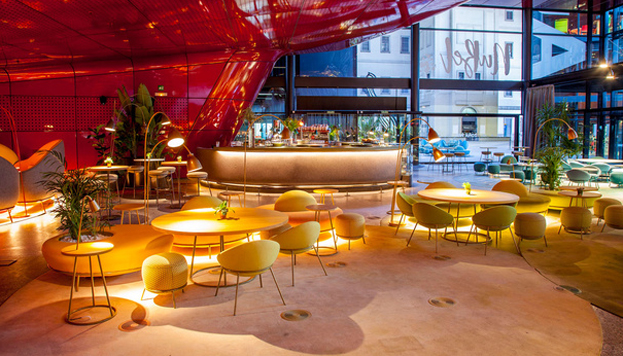 En el restaurante Nubel, en el Museo Reina Sofía, hay cenas degustación con espectáculo flamenco.