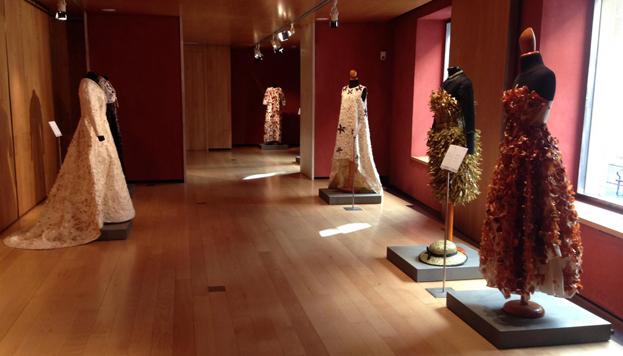 En el Museo del Traje podrás ver ¡15 vestidos confeccionados con verduras riojanas!