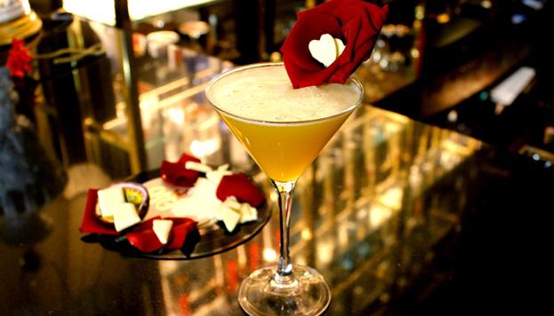 Numerosos restaurantes de Madrid tienen ofertas especiales para San Valentín. Este es el cóctel que propone Barbara Ann.