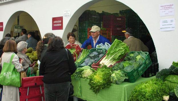 Verduras, hortalizas, frutas, quesos artesanos… En el Día de Mercado todos los productos son de la Comunidad de M