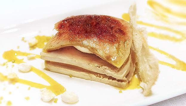 Este estupendo foie micuite lo puedes degustar en el restaurante Sandó.