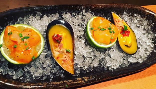 El último restaurante de Jaime Renedo, Sasha Boom, es una auténtica explosión de sabores. Estos mejillones son buena prueba.