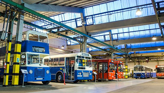 En el museo se pueden ver autobuses de dos pisos (foto cedida por la EMT).
