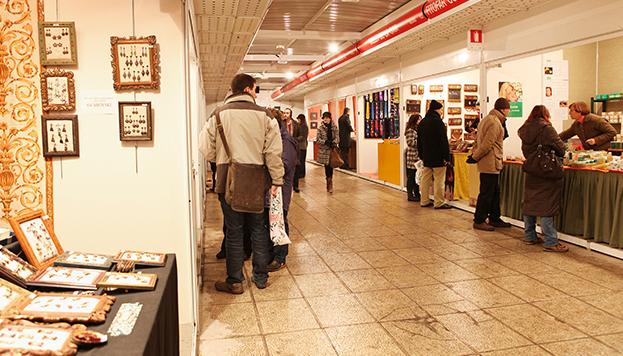 Feria-Mercado de Artesanía. Plaza de España