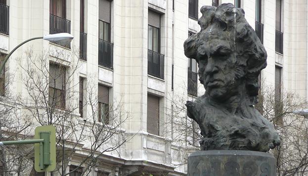 Busto de Francisco de Goya, en la calle de Goya (Barrio de Salamanca)