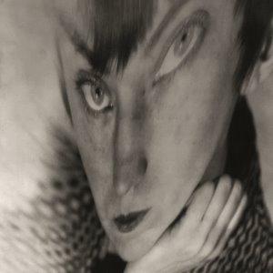 Autorretrato Distorsión. c.1930. Berenice Abbott. © Getty Images. Berenice Abbott. 300x300