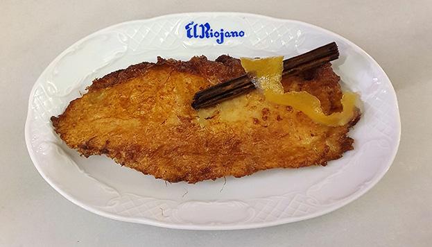Sigue los pasos de esta receta de Roberto Martín Comontes, de El Riojano, para hacer unas torrijas tan ricas como ésta.