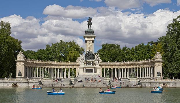 Así es el Monumento a Alfonso XII del Parque de El Retiro...