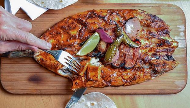 El pescado a la talla es un clásico en Puntarena y en México.