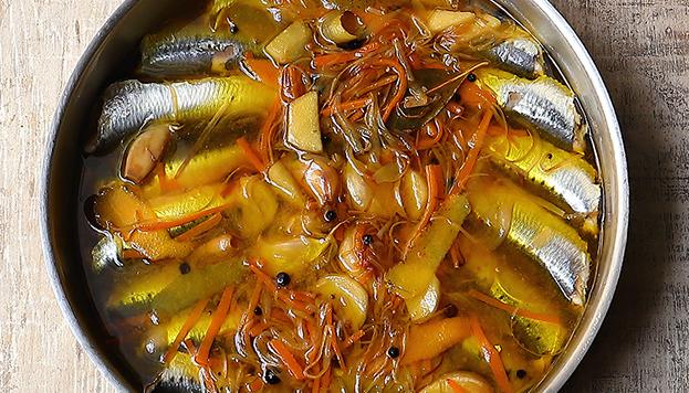 Guisos, asados, pescados, escabeches... La oferta de Coquetto es muy amplia.