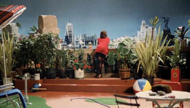 El Edificio Telefónica preside las vistas en la terraza de Mujeres al borde de un ataque de nervios (Foto: El Deseo).