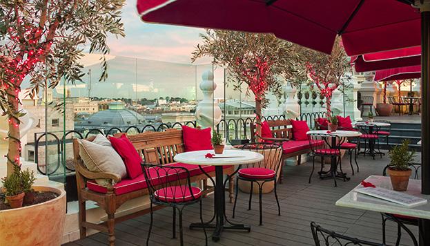 Los chicos de Élite se han divertido alguna vez en la terraza del hotel The Principal, en la Gran Vía.