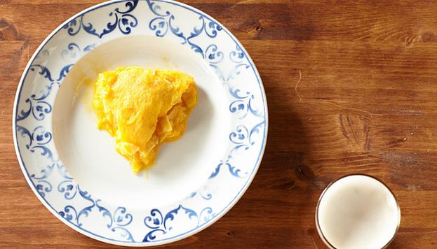 ¡Dale un bocado! Este es el delicioso aspecto que tiene el pincho de tortilla de la Taberna Pedraza.