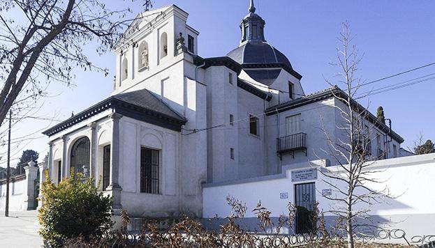 La ermita de San Isidro se alza en el distrito de Carabancel, junto a la famosa fuente del milagro.