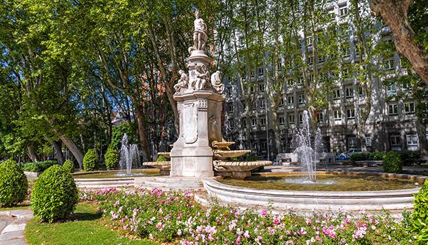 La fuente de Apolo también es conocida en Madrid como las de las Cuatro Estaciones.