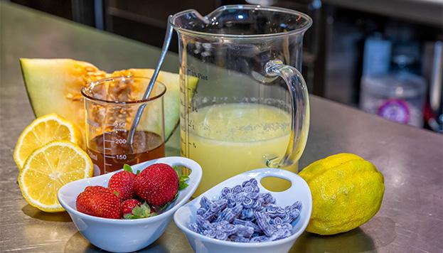 Estos son los ingredientes para nuestra limonada moderna (©Álvaro López del Cerro).