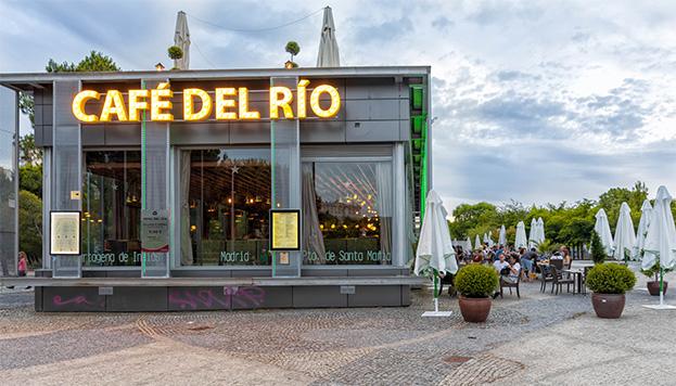 Café del Río, una parada obligada en nuestro paseo por Madrid Río (©Álvaro López del Cerro).