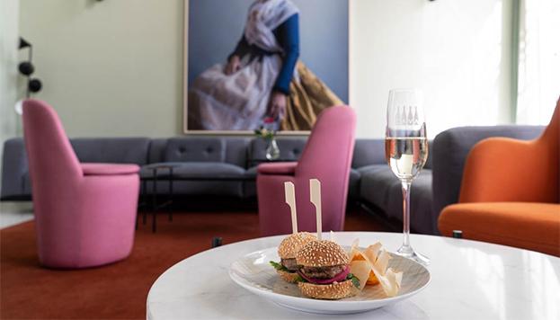 Mini burger de atún rojo del Somos Restaurante & Garra Bar (Barceló Torre de Madrid).