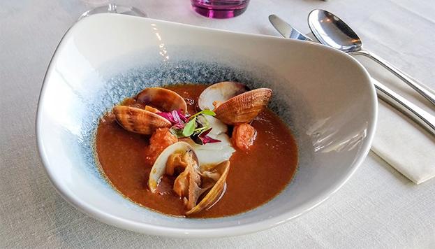 ¡Qué buena pinta! Para probar esta sopa de pescado tendrás que ir al NoMad Food & Bar del Hotel Vinci Soho.