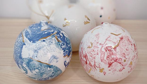 Estas son las bolas navideñas de la nueva colección de Déborah Abizanda.