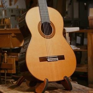 Guitarras Ramírez.