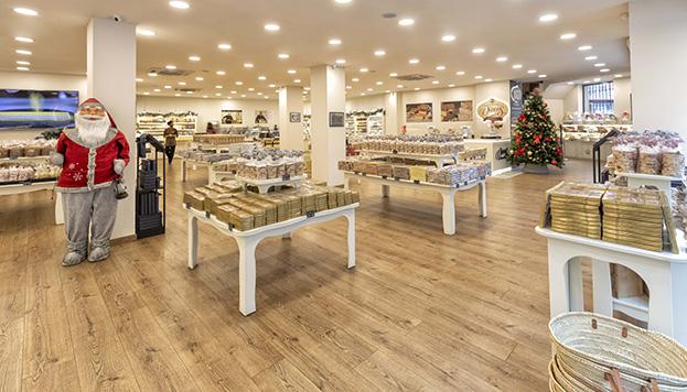 La tienda de turrones más grande del mundo está en Madrid y es de Torrons Vicens. ©Álvaro López del Cerro.