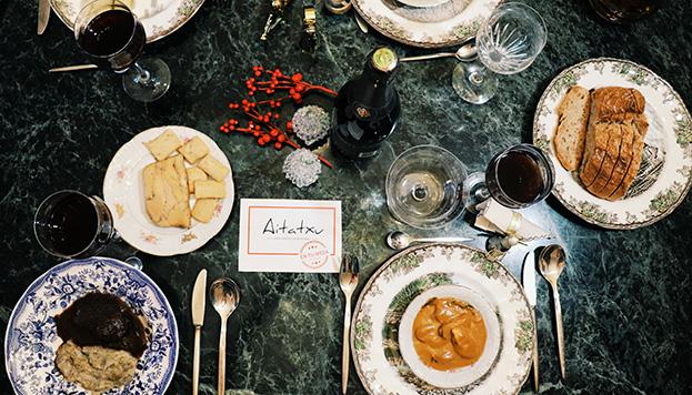 Los platos de Aitatxu, elaborados a baja temperatura, te llegarán envasados en bolsas al vacío.