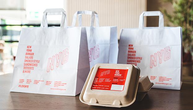 Con el delivery de New York Burger puede llegarte pavo ahumado a casa.
