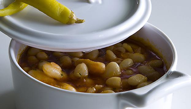 ¿Y si empezamos el año con un plato caliente? Por ejemplo, con estas alubias blancas viudas de la Vega de Saldaña, de Villoldo.