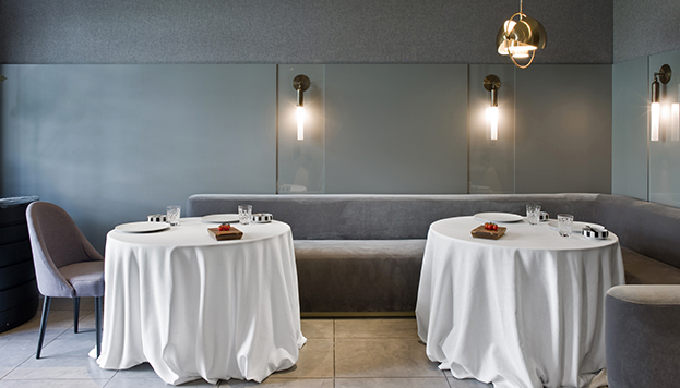 Los tomates nunca faltan en la mesa del restaurante de Ramón Freixa.