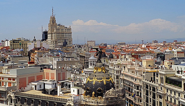 La Gran Vía, monumentale jusque sur ses toits où trônent des colosses en bronze