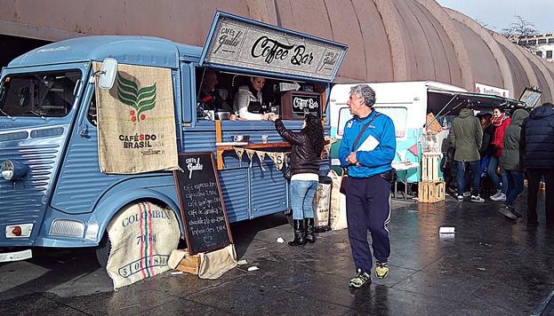 Manger sur les chapeaux de roues bloggin 39 madrid for Food truck bar le duc